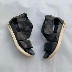 Eileen Fisher Black Leather Sport Sandals Size 7.5